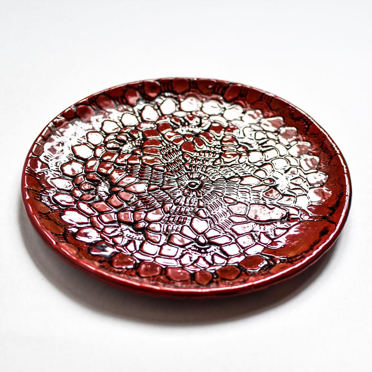 """картинка Керамическая тарелка с кружевом """"Огонь"""" 1 - DishWishes.Ru"""