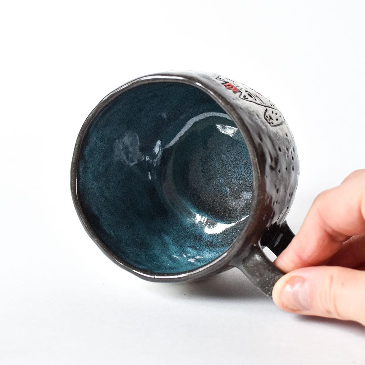 """картинка Лепная чашка из серии """"Котики и женщины"""" 1 - DishWishes.Ru"""