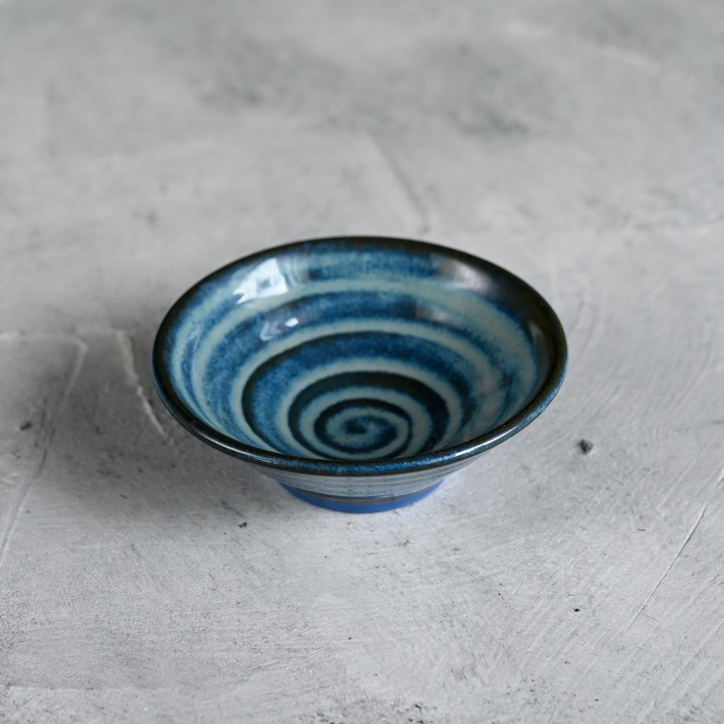 картинка Розетка из синего фарфора - DishWishes.Ru