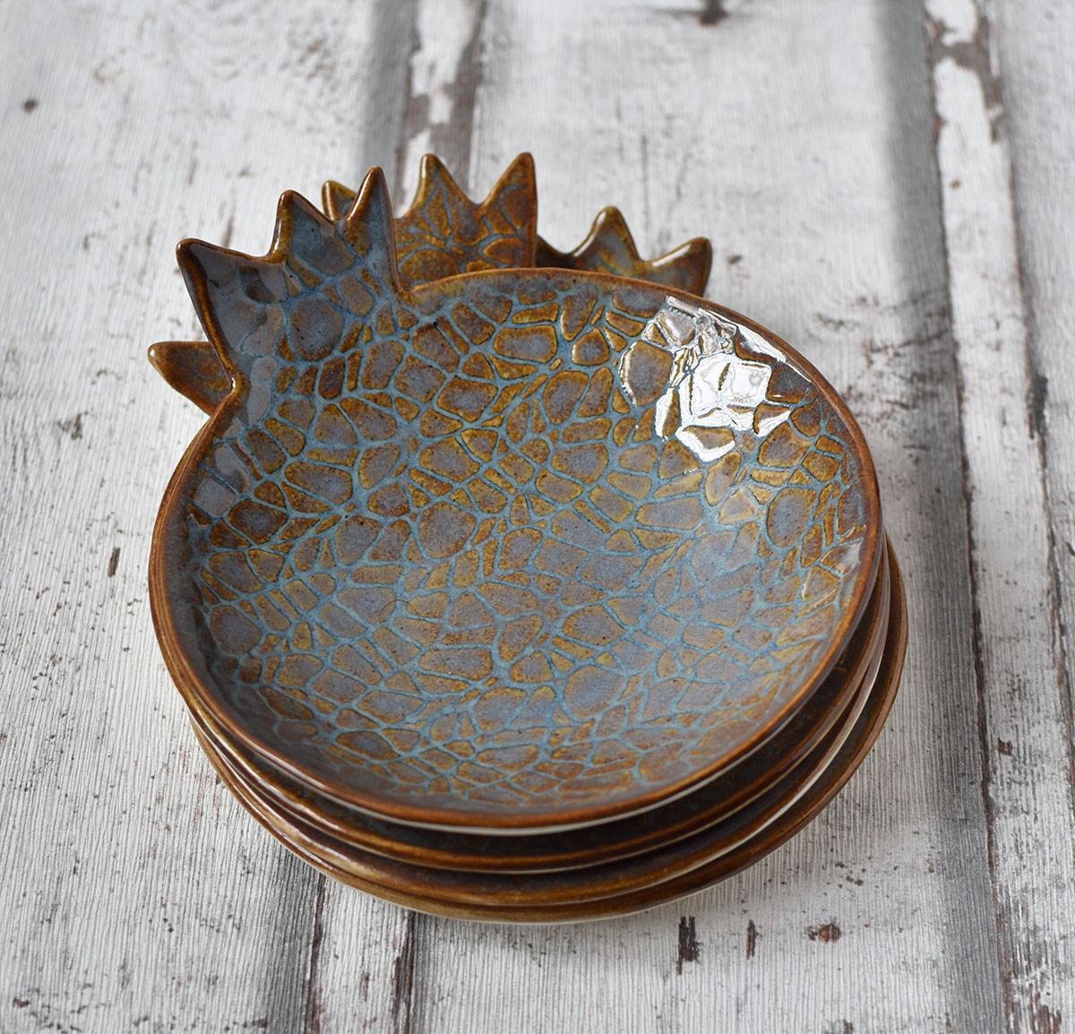 картинка Декоративная тарелка в форме граната - DishWishes.Ru