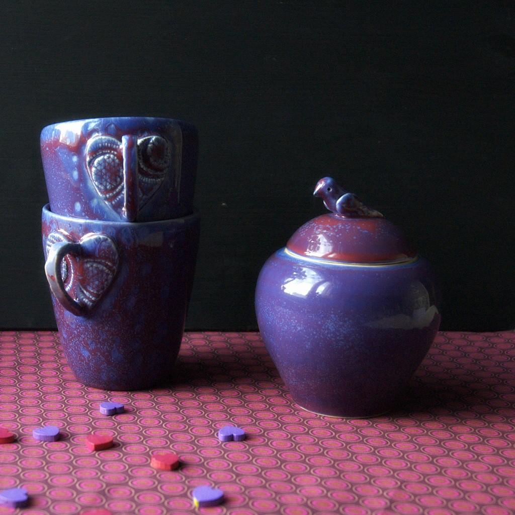 картинка Сахарница пурпурно-фиолетового цвета. - DishWishes.Ru